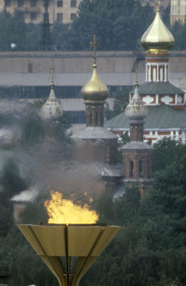 Ogień olimpijski w Moskwie