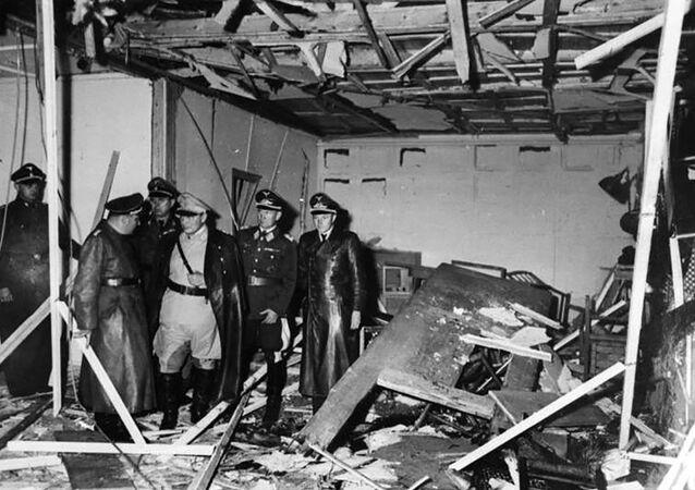 20 lipca 1944 grupa spiskowców z Clausem von Stauffenbergiem na czele dokonała w Wilczym Szańcu nieudanego zamachu na życie Hitlera