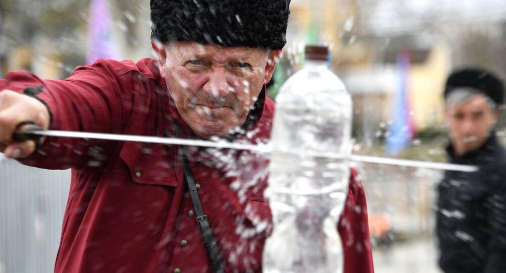 Występ zespołu kozackiego na obchodach 5-lecia połączenia Krymu z Rosją