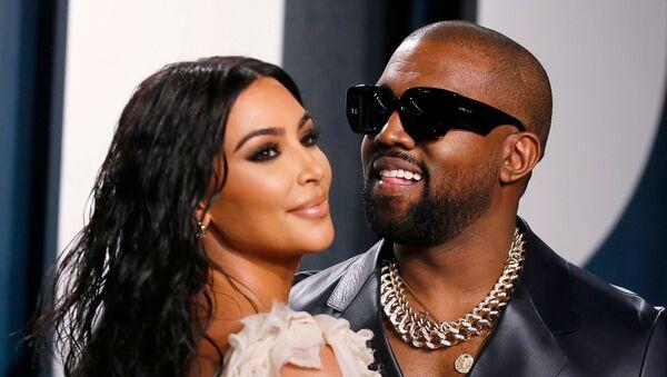 Raper Kanye West z żoną Kim Kardashian na Vanity Fair Oscar Parry w Beverly Hills - Sputnik Polska