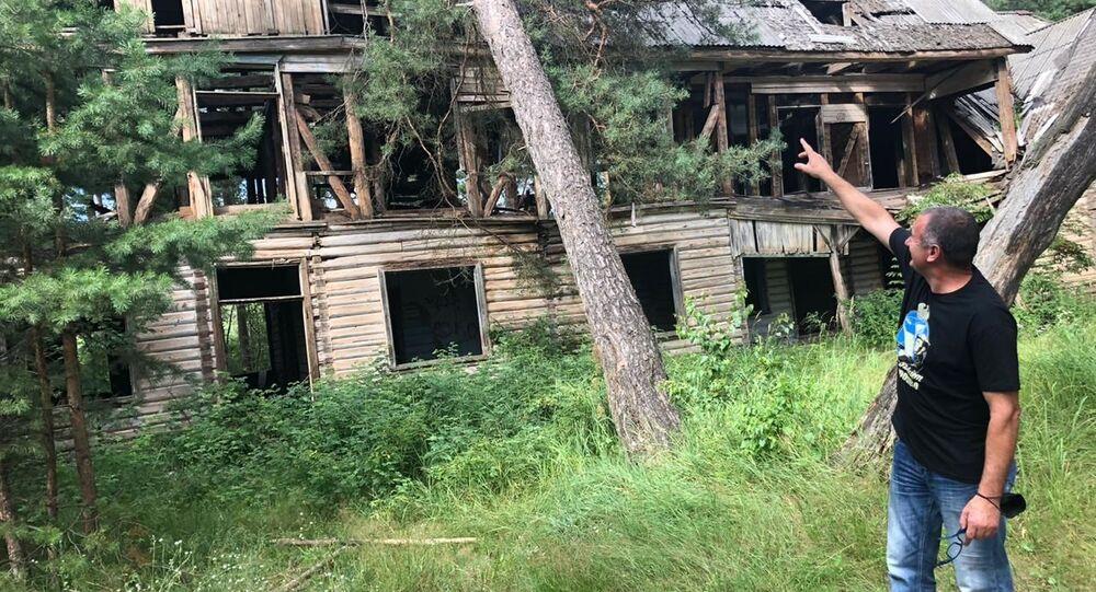 Remont budynku sztabu 1. Dywizji Kościuszkowców