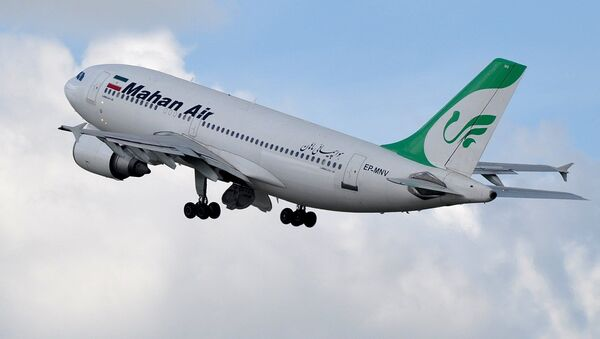 Samolot pasażerski A310 linii lotniczych Mahan Air. - Sputnik Polska