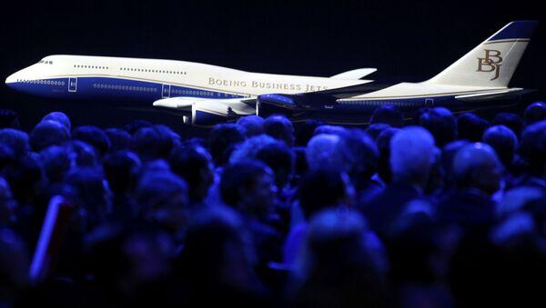 Model samolotu pasażerskiego Boeing 747-8 jumbo, 2011 rok - Sputnik Polska