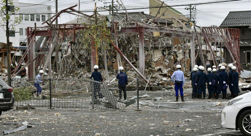 Skutki eksplozji w restauracji w mieście Koriyama w Japonii