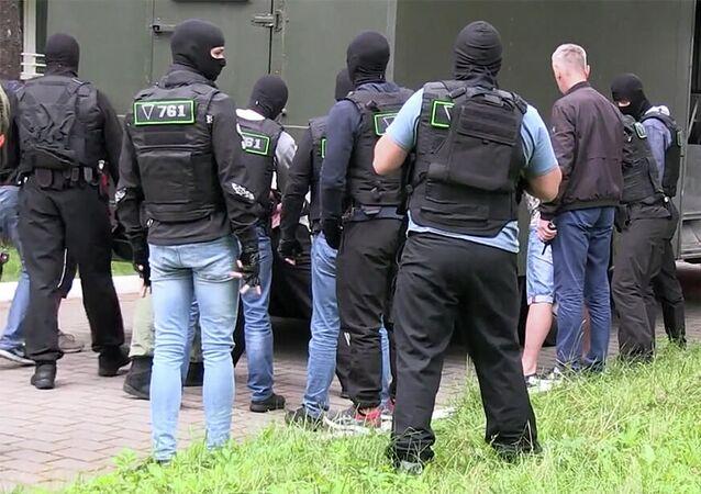 Kadr z operacyjnego nagrania z zatrzymania rzekomo 32 członków prywatnej firmy wojskowej na Białorusi