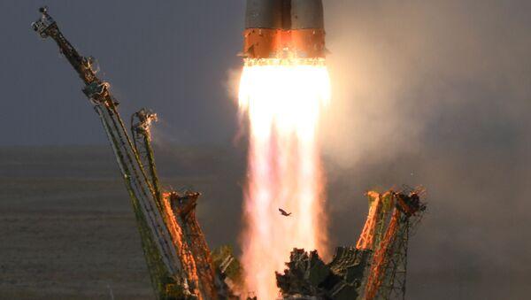 Start rakiety nośnej Sojuz-FG ze statkiem załogowym Sojuz MS-09 z kosmodromu Bajkonur.  - Sputnik Polska