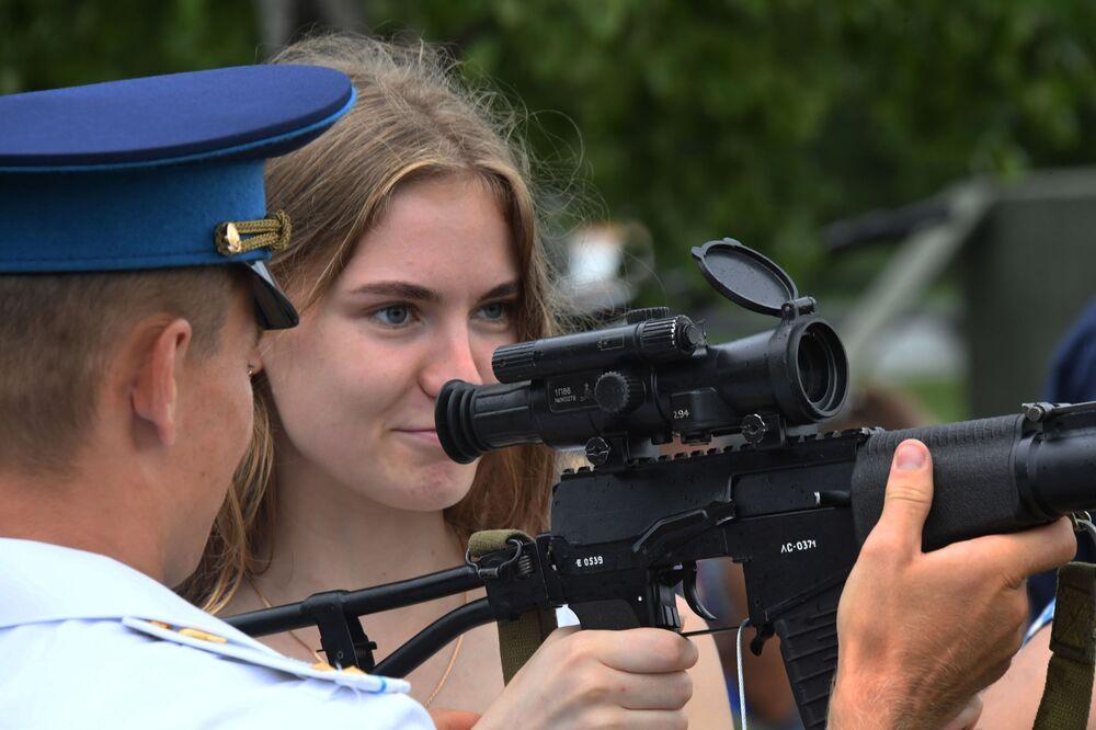 Obchody Dnia Wojsk Powietrznodesantowych w Kraju Nadmorskim
