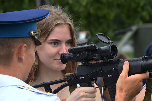 Obchody Dnia Wojsk Powietrznodesantowych w Kraju Nadmorskim - Sputnik Polska