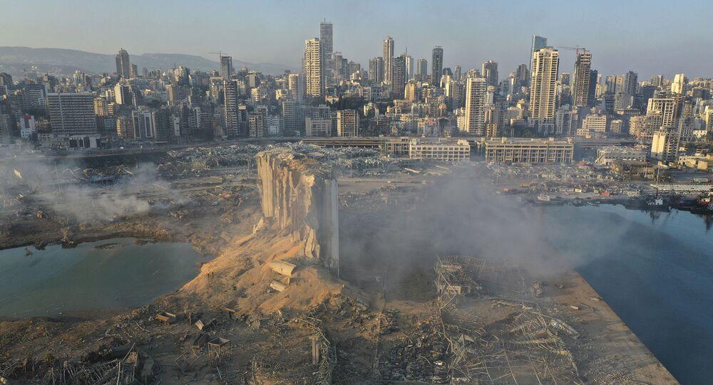 Sytuacja na miejscu wybuchu w Bejrucie widziana z drona, 5 sierpnia 2020