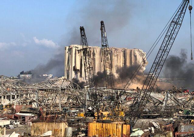Miejsce wtorkowej eksplozji na terenie portu w Bejrucie, Liban 5 sierpnia 2020 r.