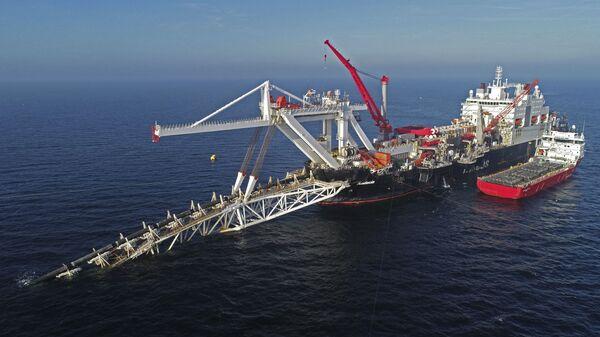 Układanie gazociągu Nord Stream 2 na Morzu Bałtyckim - Sputnik Polska