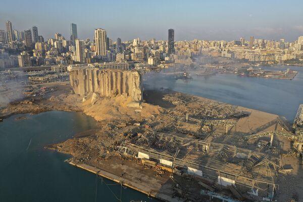 Widok na port w Bejrucie po wybuchu - Sputnik Polska