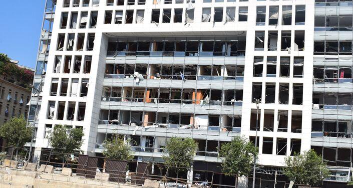 Zniszczone ulice Bejrutu w rezultacie wybuchu