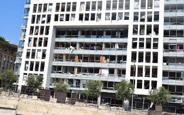 Zniszczone budynki w Bejrucie w rezultacie wybuchu w porcie - Sputnik Polska