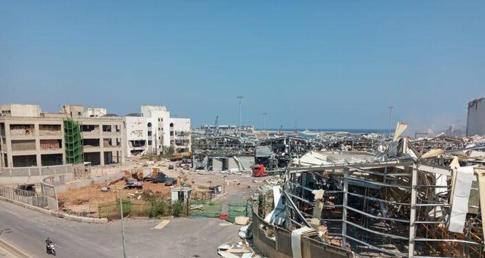 Zniszczony port po eksplozji w Bejrucie