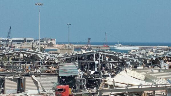 Zniszczony port po eksplozji w Bejrucie - Sputnik Polska