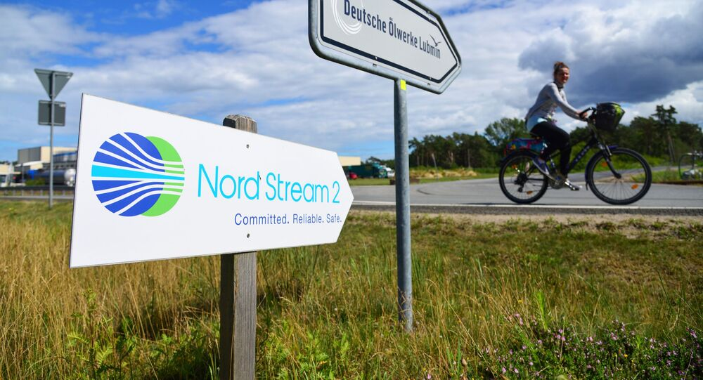 Drogowskaz przy punkcie wyjścia Nord Stream 2 w Lubminie