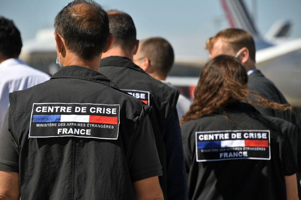 Francuscy ratownicy w drodze do Bejrutu