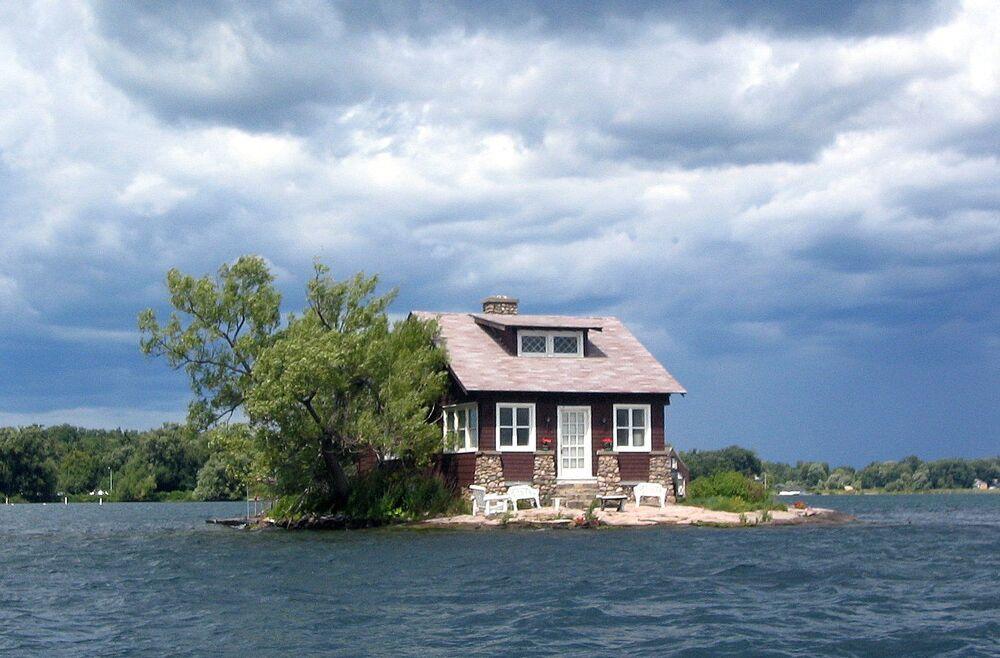Wyspa Just Room Enough z domem w pobliżu zamku Boldt w USA