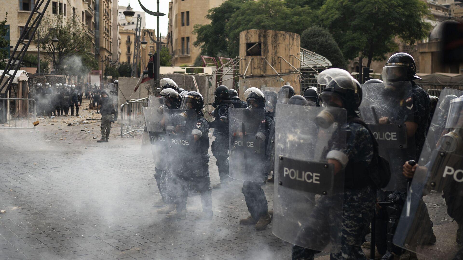 Masowe starcia demonstrantów i policji w Bejrucie, Liban - Sputnik Polska, 1920, 17.07.2021