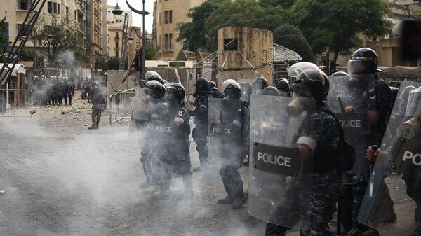 Masowe starcia demonstrantów i policji w Bejrucie, Liban - Sputnik Polska