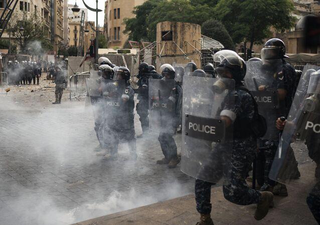 Masowe starcia demonstrantów i policji w Bejrucie, Liban.
