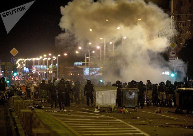Mińsk, protesty na ulicach.