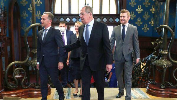 Ministrowie spraw zagranicznych Rosji i Niemiec, Siergiej Ławrow i Heiko Maas, na spotkaniu w Moskwie.  - Sputnik Polska