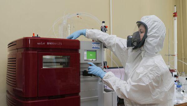 Pierwsza na świecie zarejestrowana szczepionka na koronawirusa - Sputnik Polska