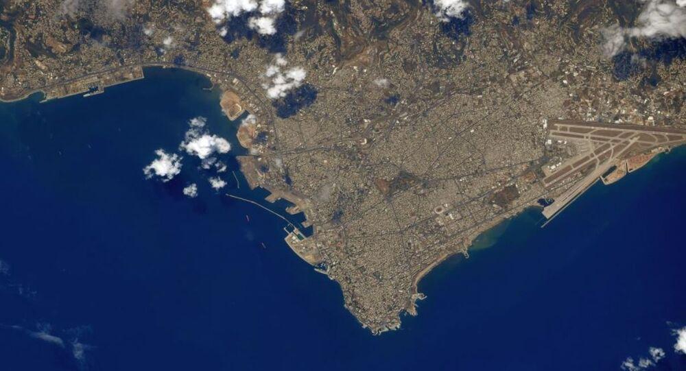 Zdjęcie Bejrutu zrobione z kosmosu przez astronautę Christophera Cassidy'ego