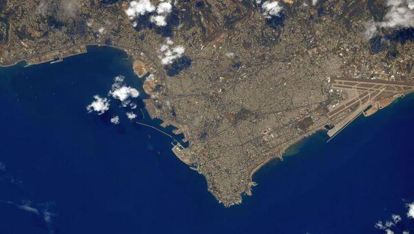 Zdjęcie Bejrutu zrobione z kosmosu przez astronautę Christophera Cassidy'ego - Sputnik Polska
