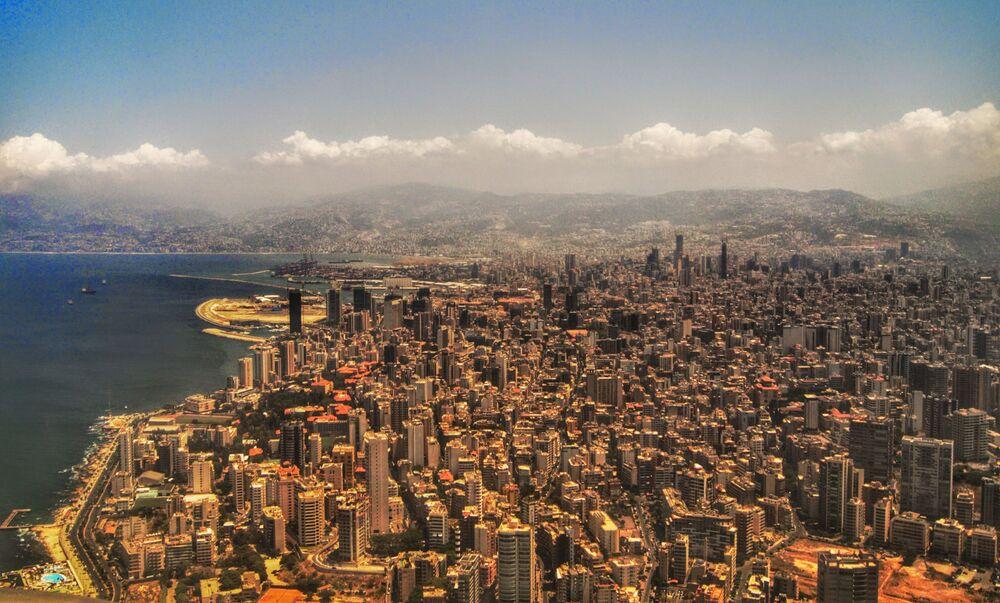 Widok na Bejrut z samolotu