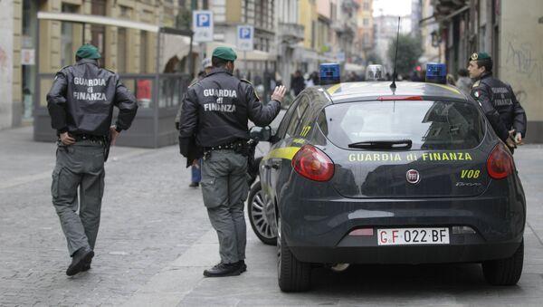 Agenti della Guardia di Finanza a Milano - Sputnik Polska