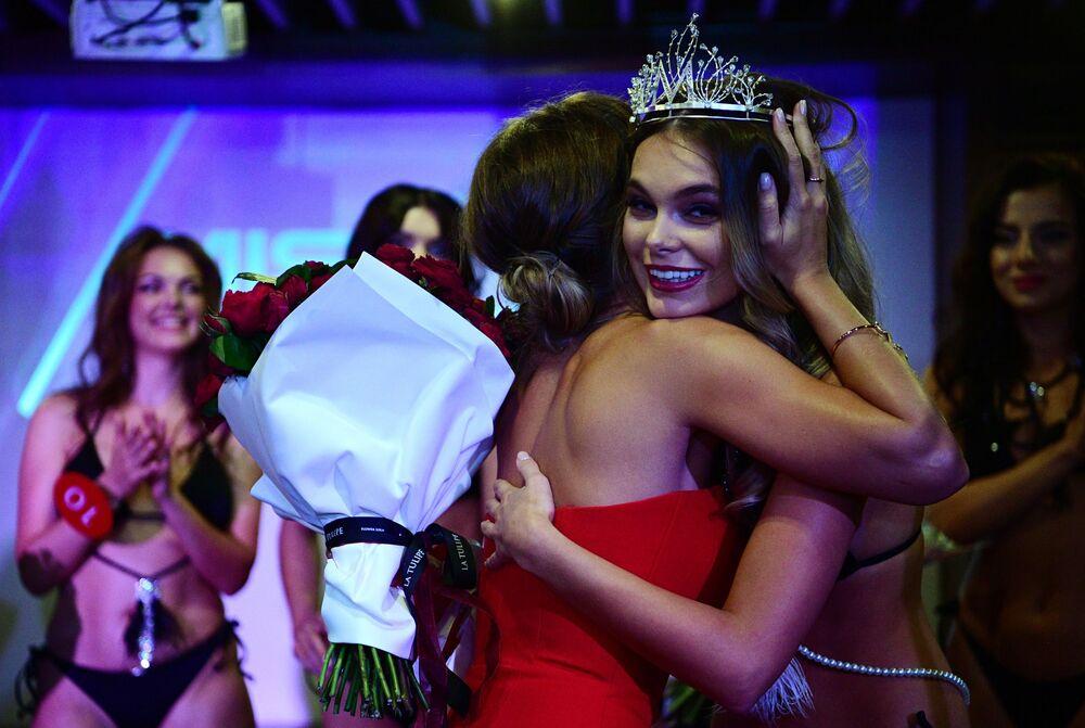Zwyciężczyni konkursu Miss MAXIM 2020 Oktiabrina Maksimowa
