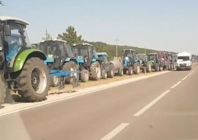 Mołdawscy rolnicy blokują autostradę w pobliżu Kiszyniowa