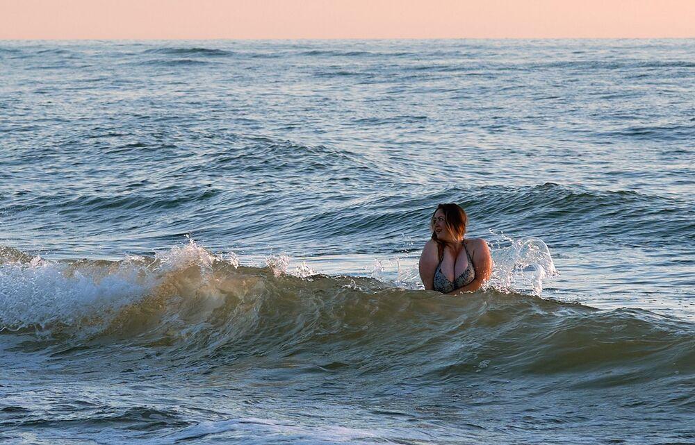 Dziewczyna w Morzu Bałtyckim