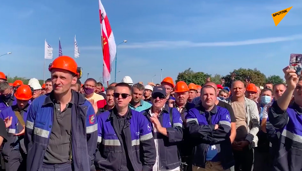 Białoruś: Uliczne zamieszki zastąpiły protesty - Sputnik Polska