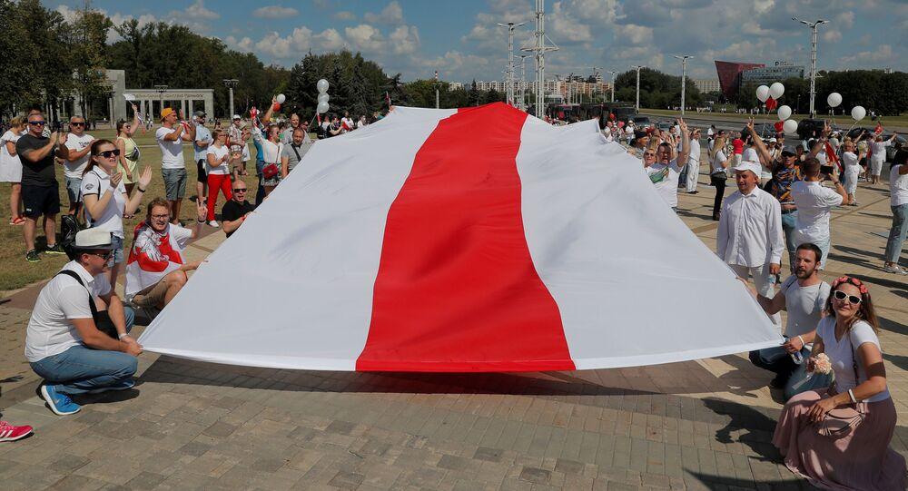 Protesty przeciwko wynikom wyborów w Mińsku.