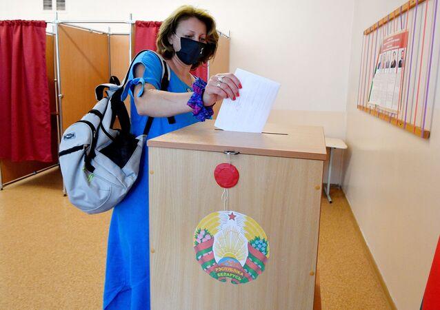 Przedterminowe głosowanie w wyborach prezydenckich w Mińsku na Białorusi