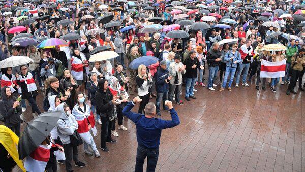 Uczestnicy akcji protestu na Placu Niezależności w Mińsku  - Sputnik Polska