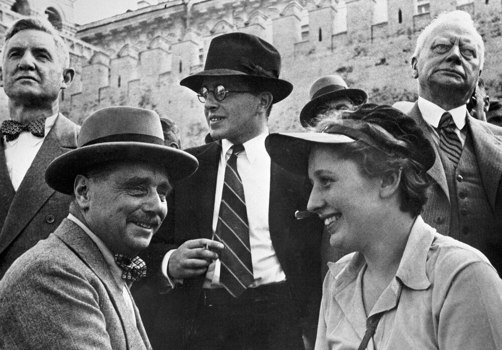Pisarz Herbert George Wells odwiedził Moskwę jako turysta w 1934 roku