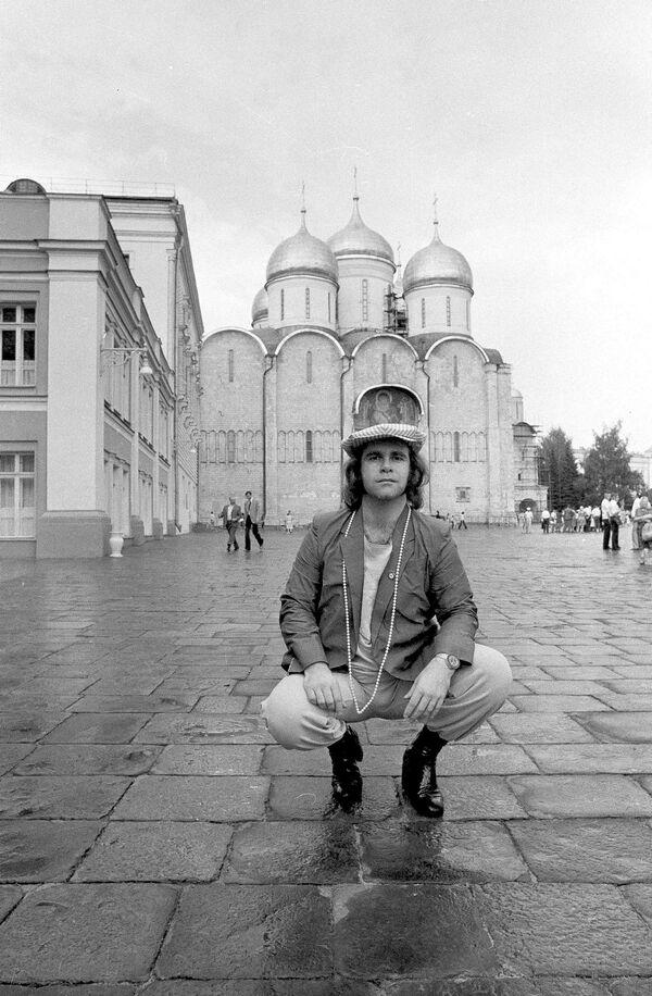 Elton John na terytorium Moskiewskiego Kremla, 1979 rok - Sputnik Polska
