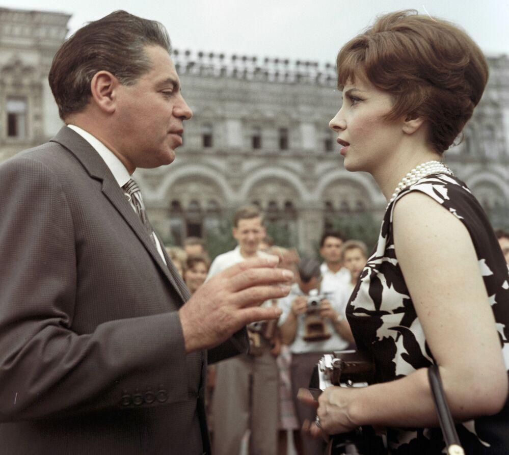 Gina Lollobrigida i radziecki aktor Arkadij Rajkin, 1961 rok