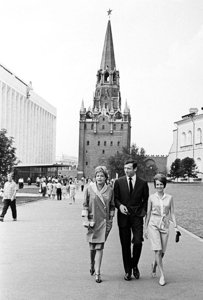 Francuscy artyści Simone Signoret, Yves Montand i Françoise Arnoul w Moskwie, 1963 rok