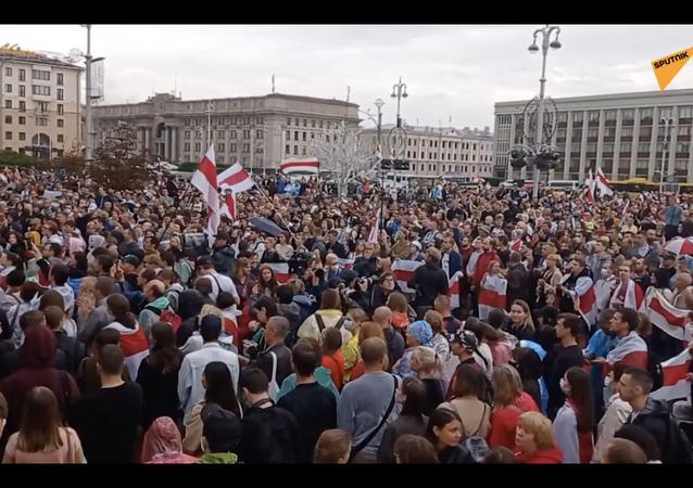 Białoruś: wielotysięczny protest przeciwko Łukaszence w Mińsku.