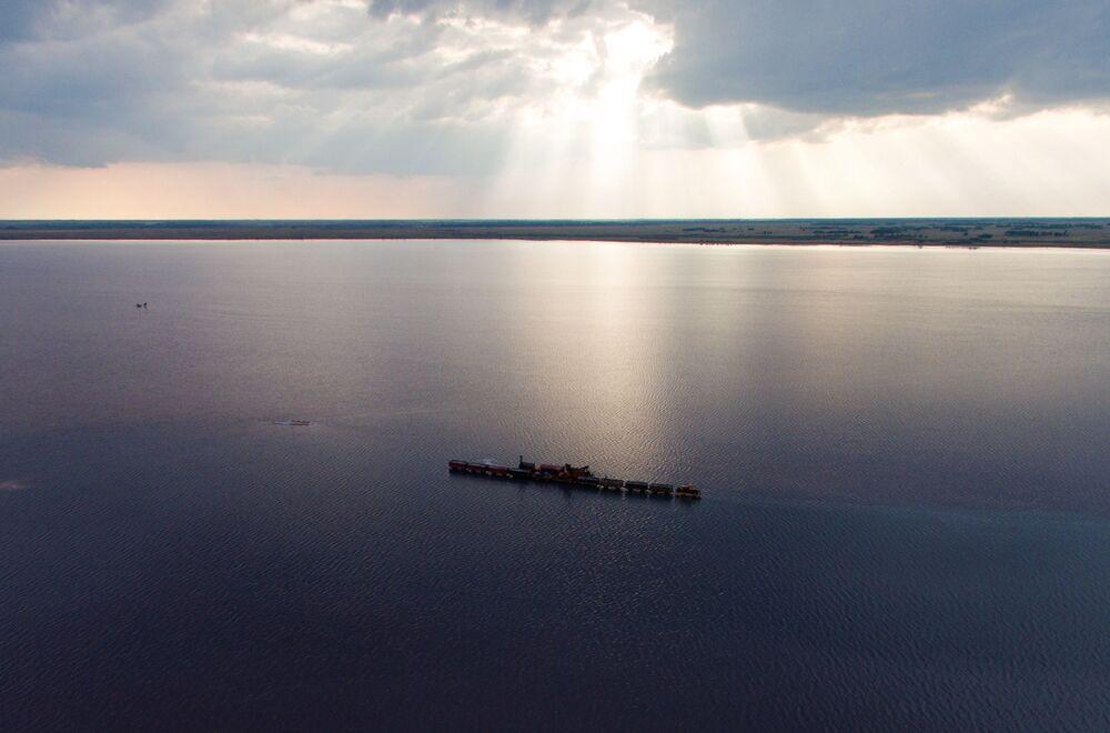 Jezioro Burlinskoje w Kraju Ałtajskim