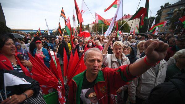Akcja poparcia Aleksandra Łukaszenki w Mińsku - Sputnik Polska