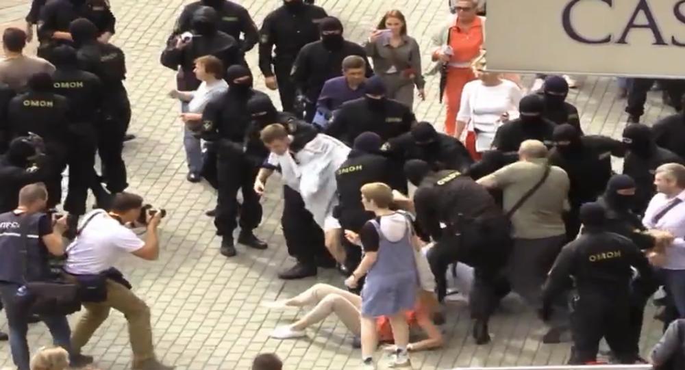 140 osób zatrzymanych podczas protestów w Mińsku