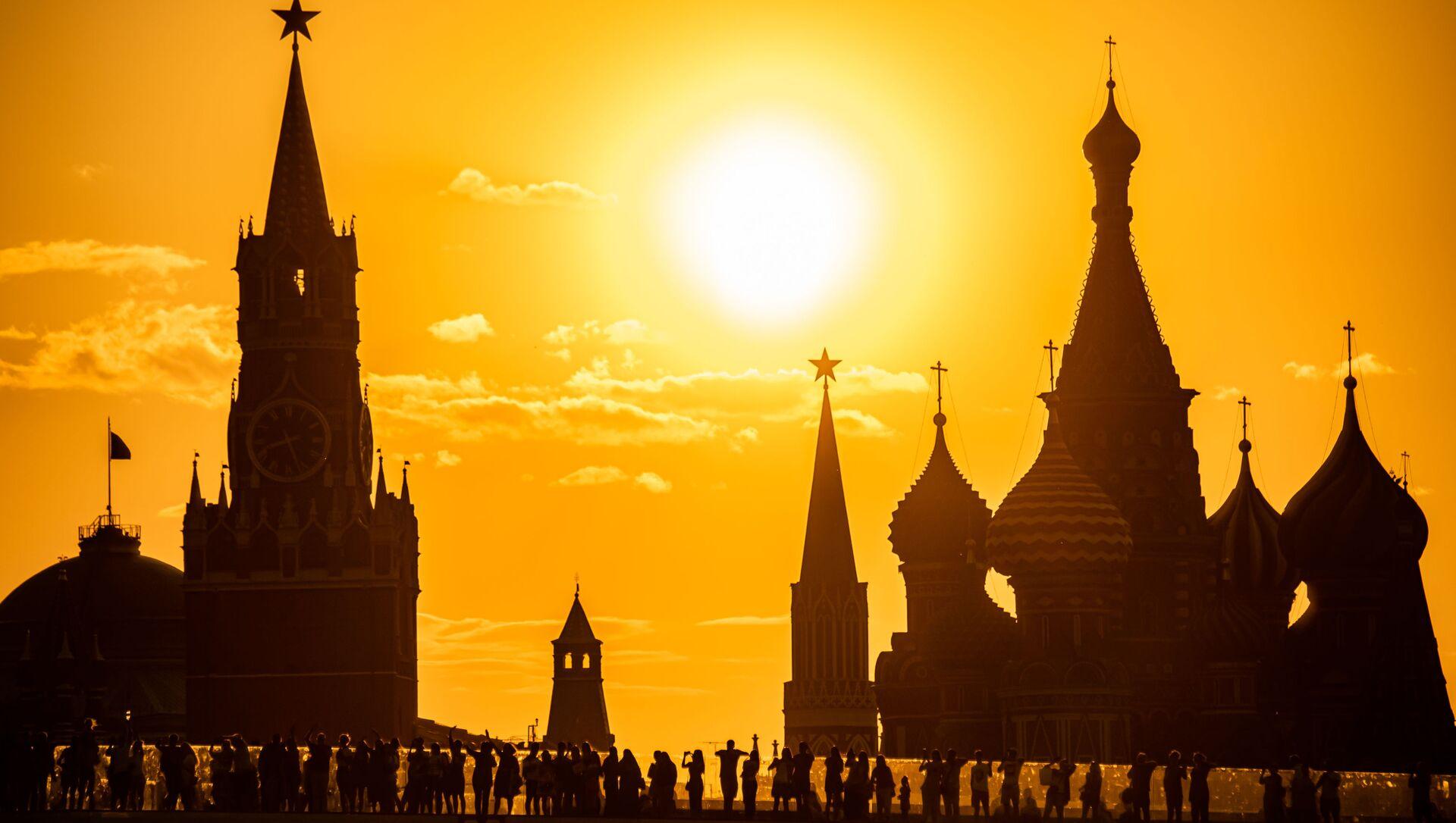 Widok na Kreml z parku Zarjadzie - Sputnik Polska, 1920, 07.06.2021