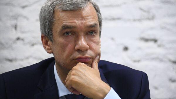 Białoruski opozycjonista Paweł Łatuszka na konferencji prasowej - Sputnik Polska